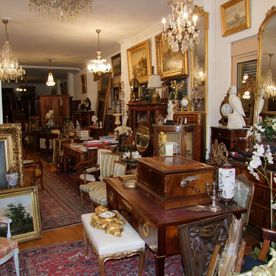 Avenue des Alpes shop: inside view